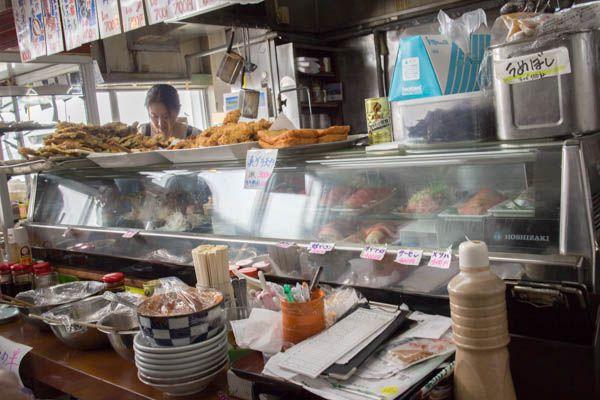 マルトマ食堂店内4